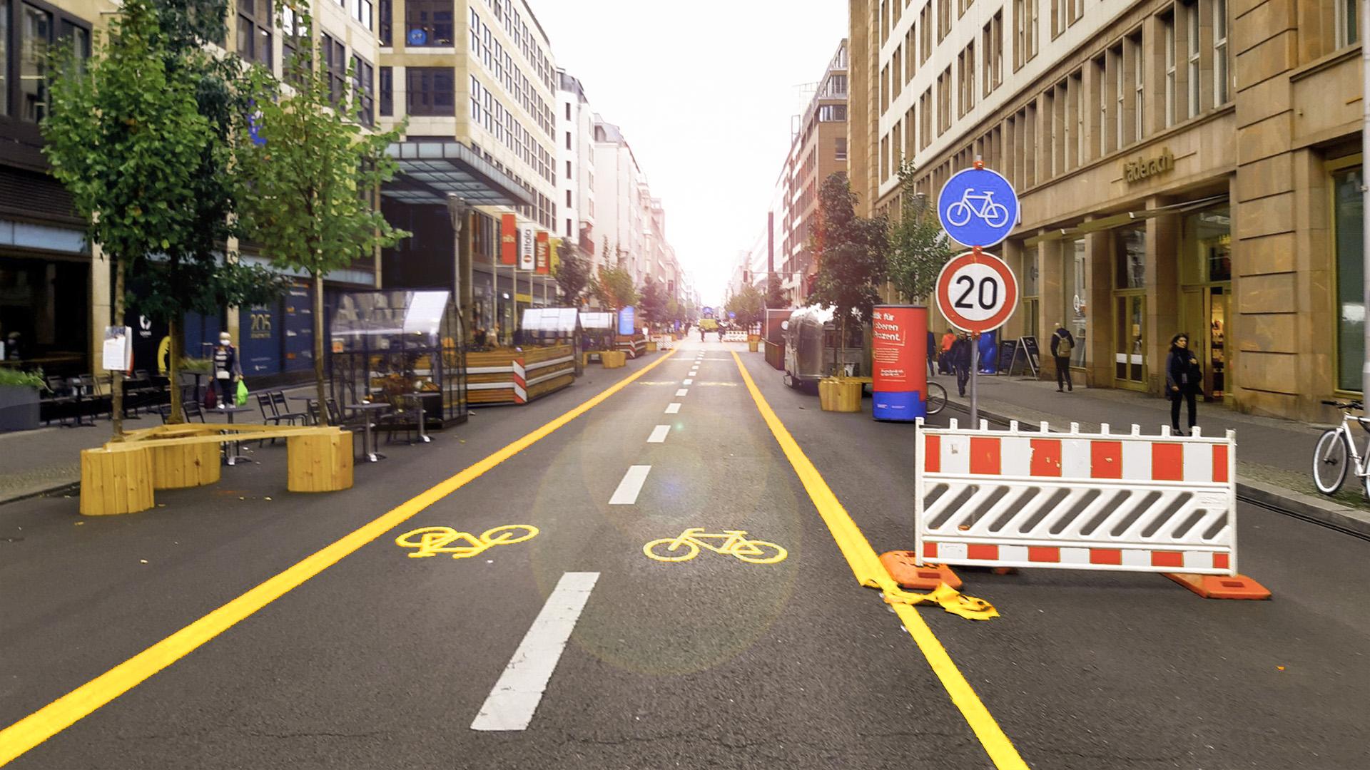 Berlin Friedrichstraße Temporary Bike Lanes_2